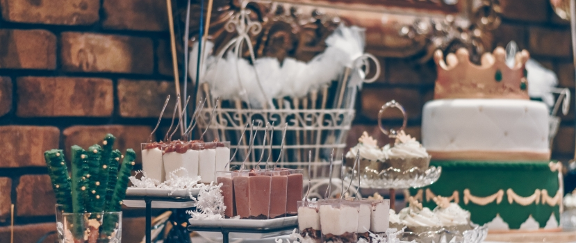Tasty Dessert Bars to Serve at Your Wedding Reception